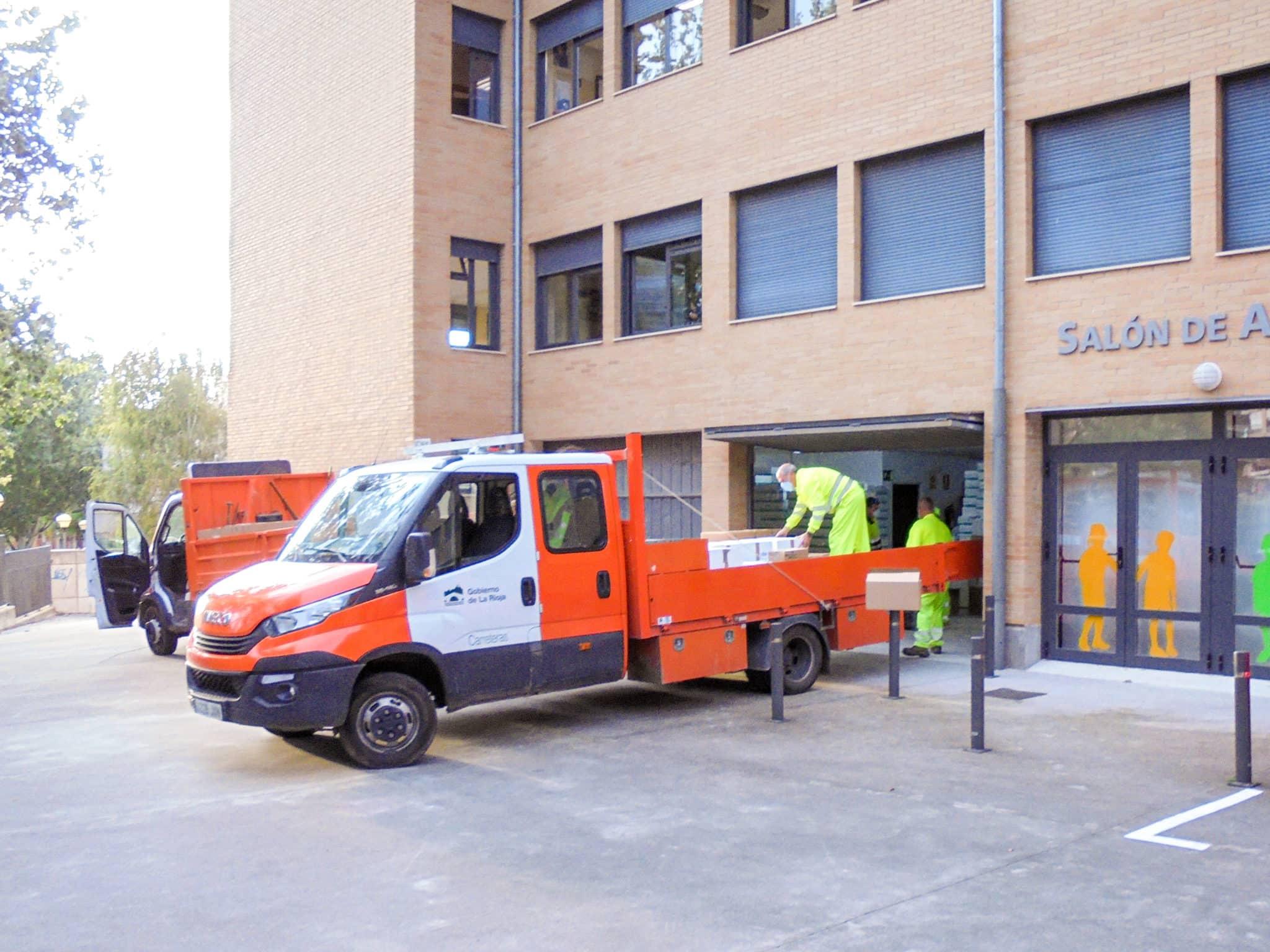 La Rioja realiza un nuevo reparto de material anti-COVID entre los centros educativos 1