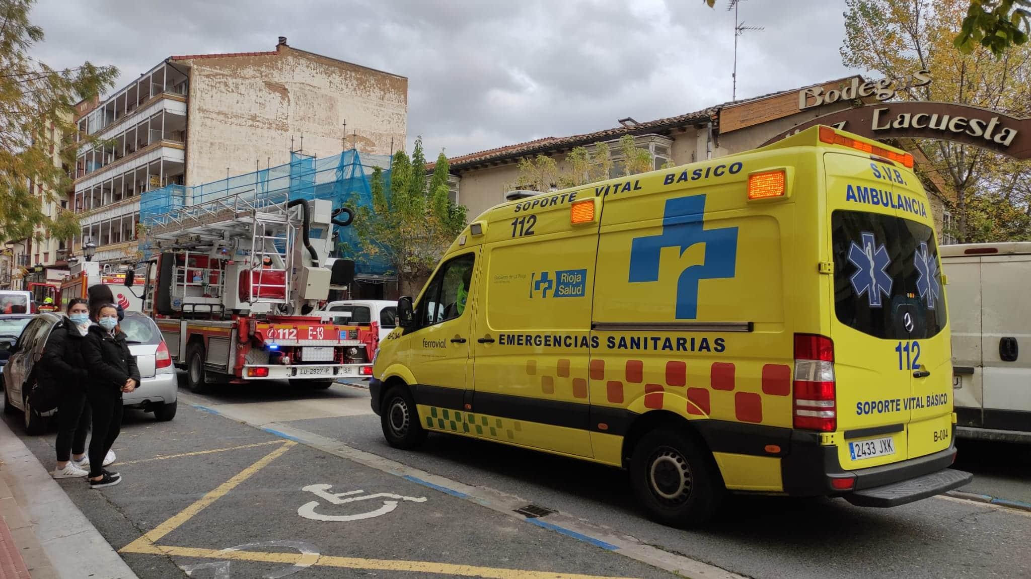 Susto en La Ventilla por el humo que salía de una vivienda 2