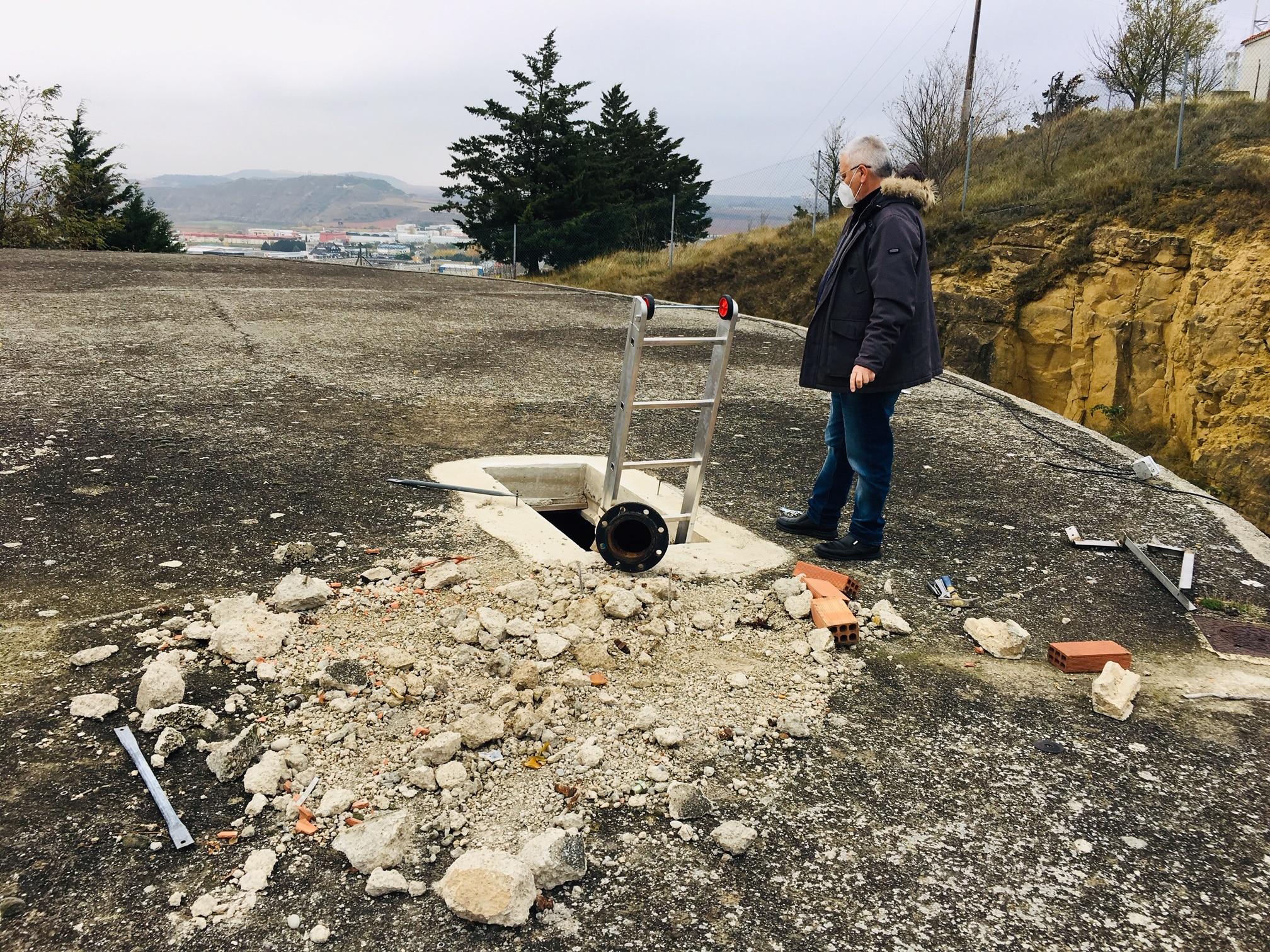 Arrancan los trabajos de reforma del depósito de agua potable de Haro 2
