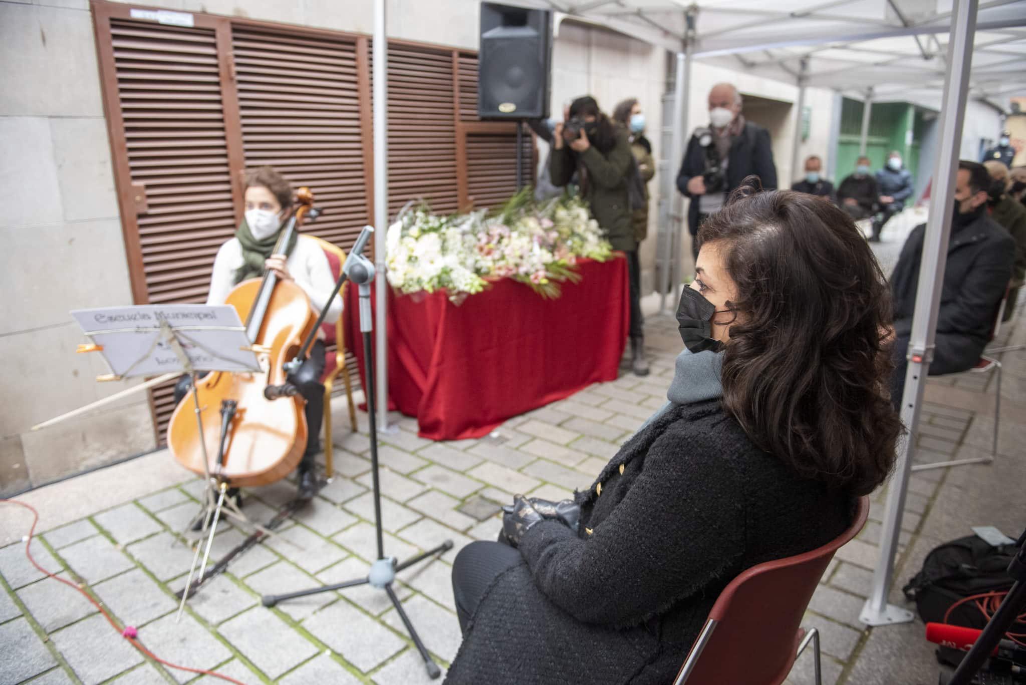 Logroño recuerda con una placa en la calle Ollerías a las tres personas fallecidas y una herida en el atentado de ETA 6