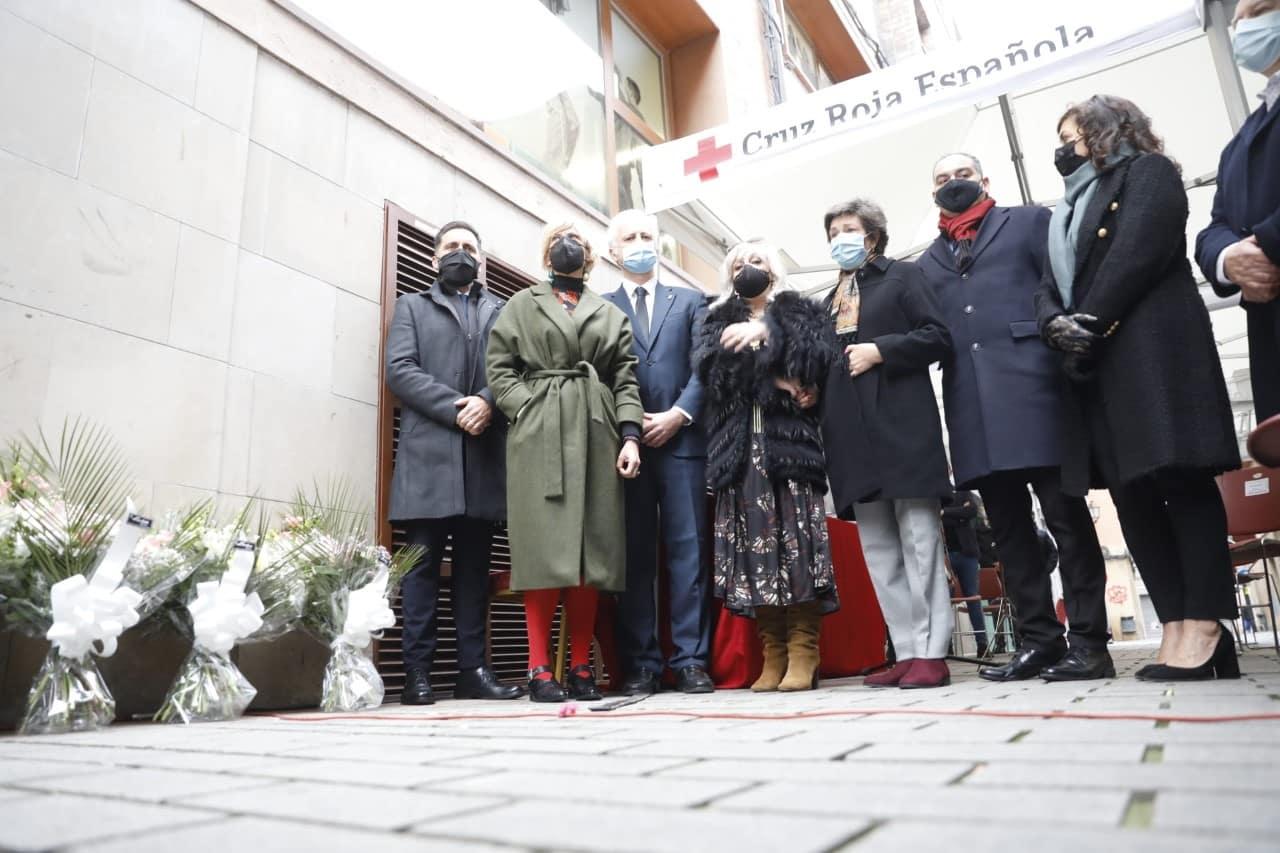 Logroño recuerda con una placa en la calle Ollerías a las tres personas fallecidas y una herida en el atentado de ETA 4