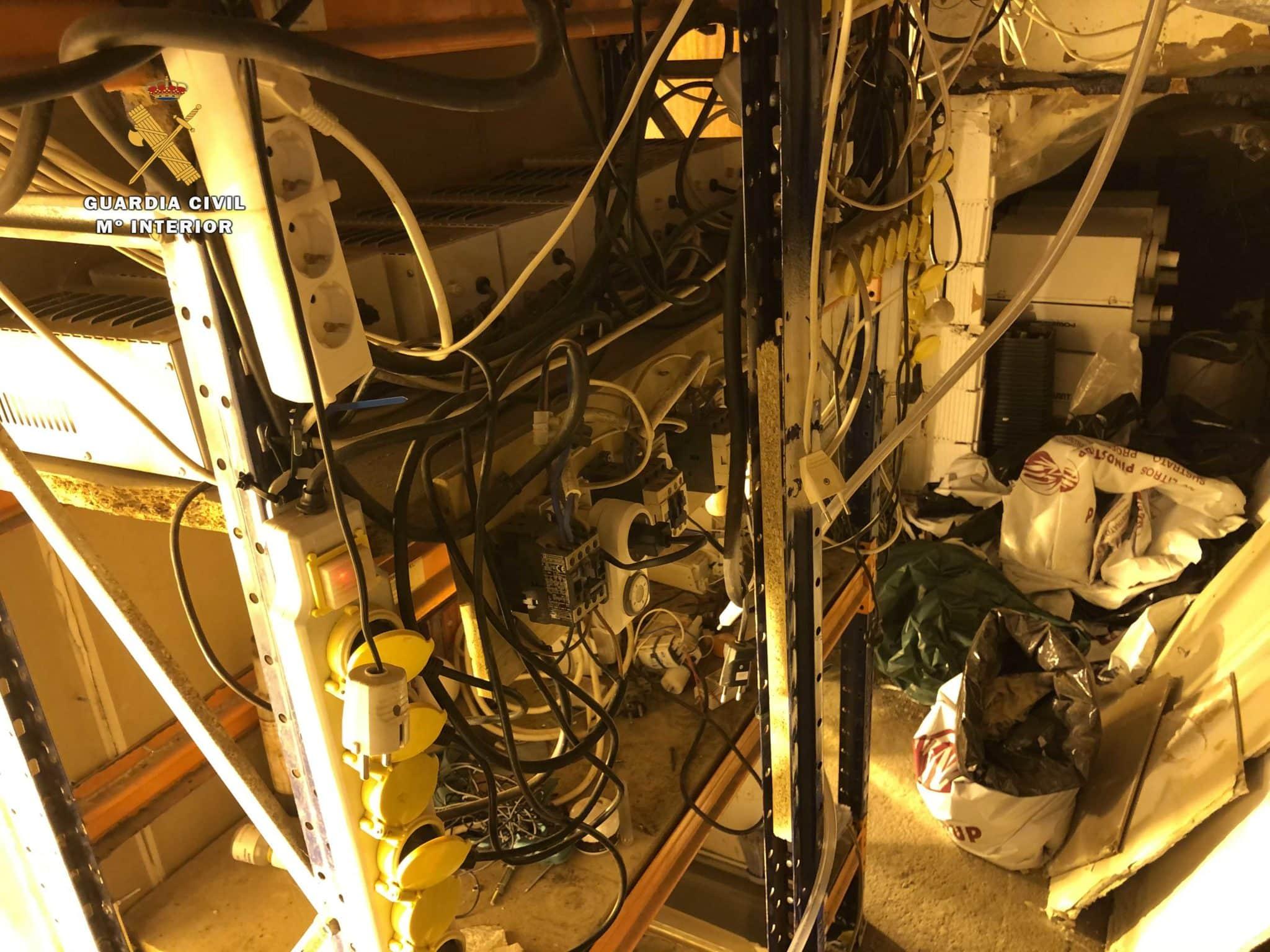 Desmantelado un laboratorio 'indoor' de marihuana en una bodega de Arnedo 1