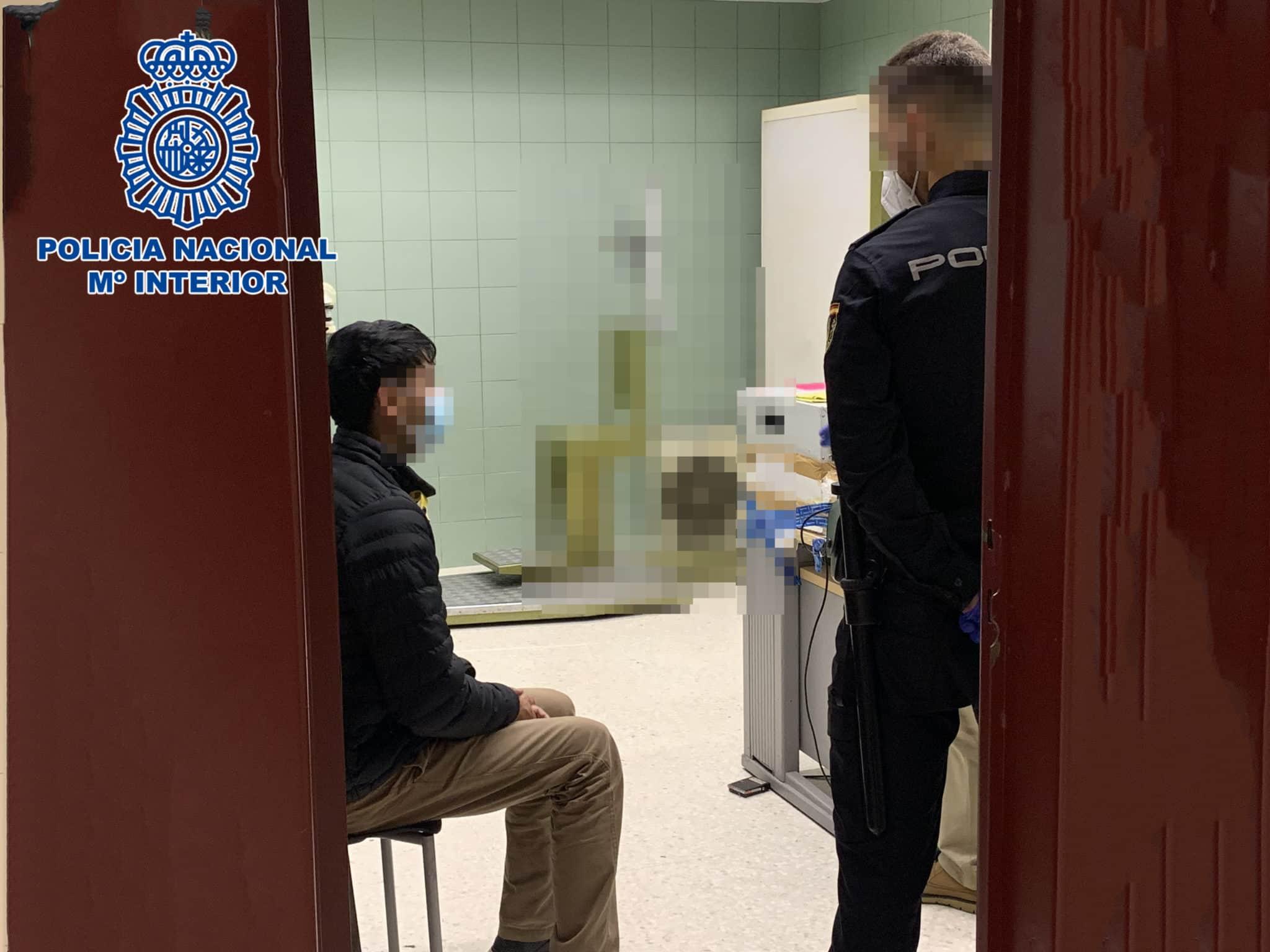 La Policía Nacional asegura Logroño con el objetivo de prevenir y evitar la propagación del coronavirus 1