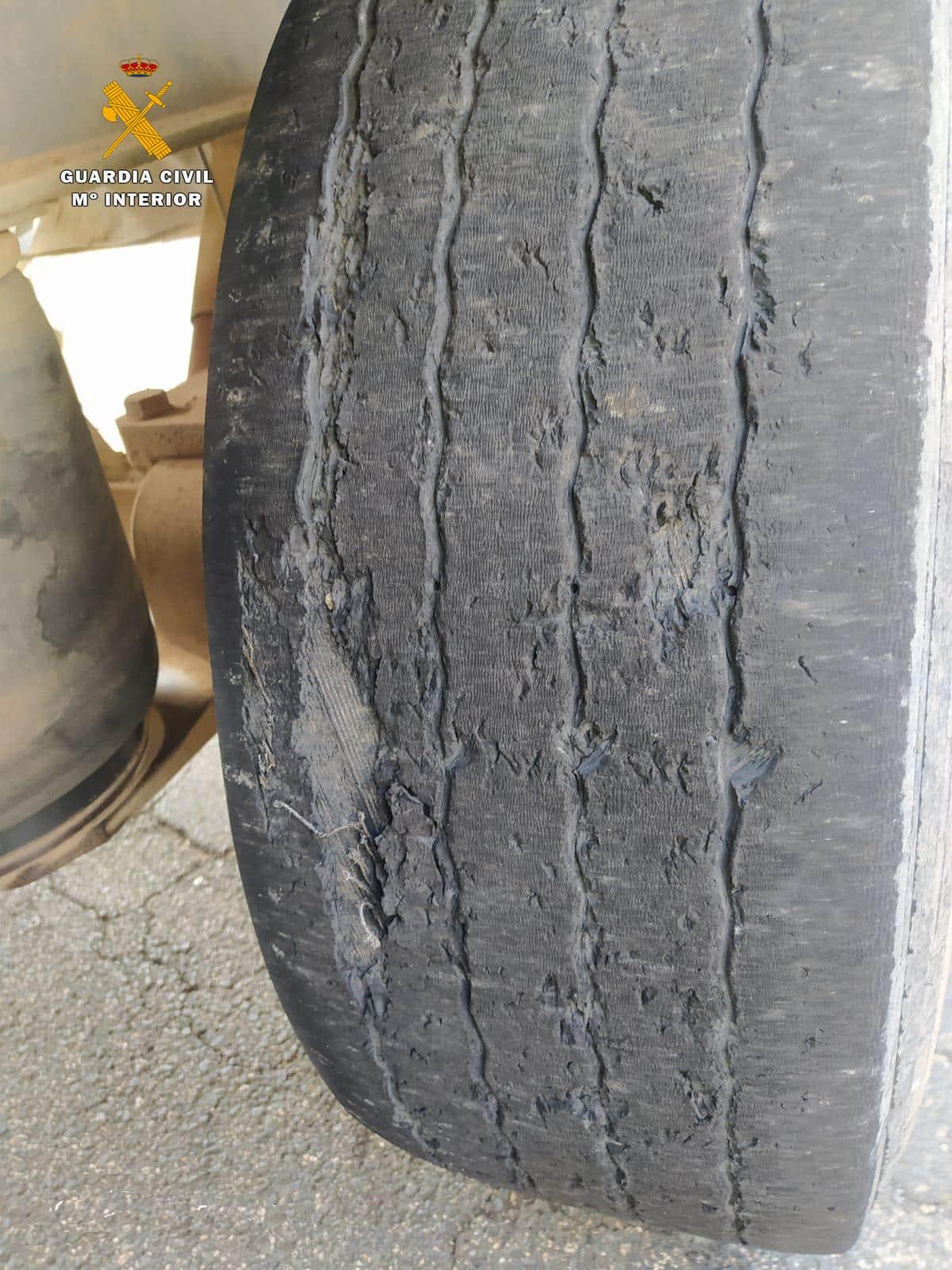 Denunciado un camionero tras cometer nueve infracciones en materia de tráfico y transporte 3