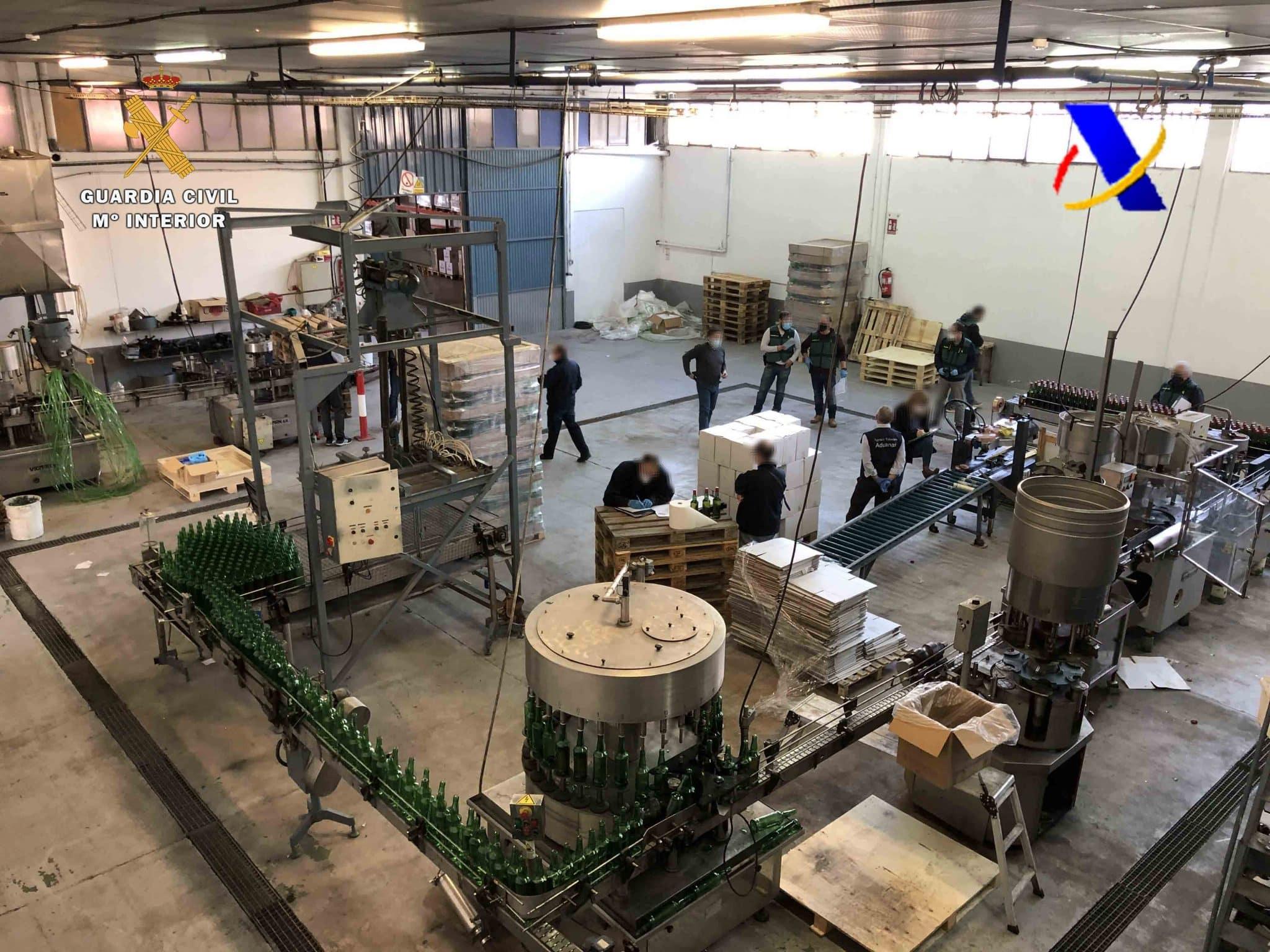 VÍDEO: Desmantelada en La Rioja una de las mayores destilerías ilegales de whisky 12