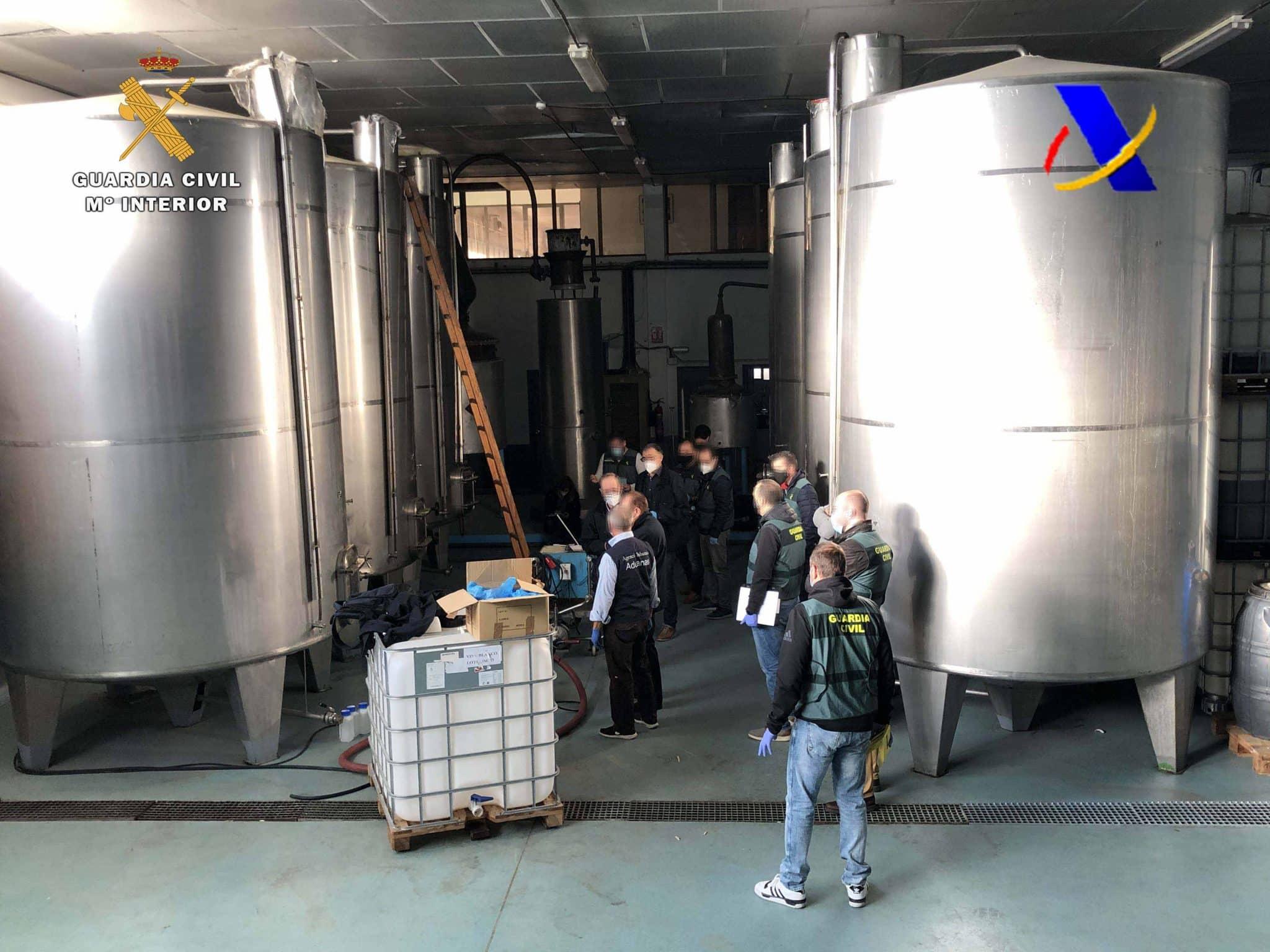 VÍDEO: Desmantelada en La Rioja una de las mayores destilerías ilegales de whisky 10
