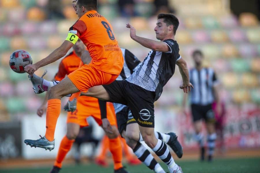 El Haro golea al Izarra en el primer triunfo de la temporada 3