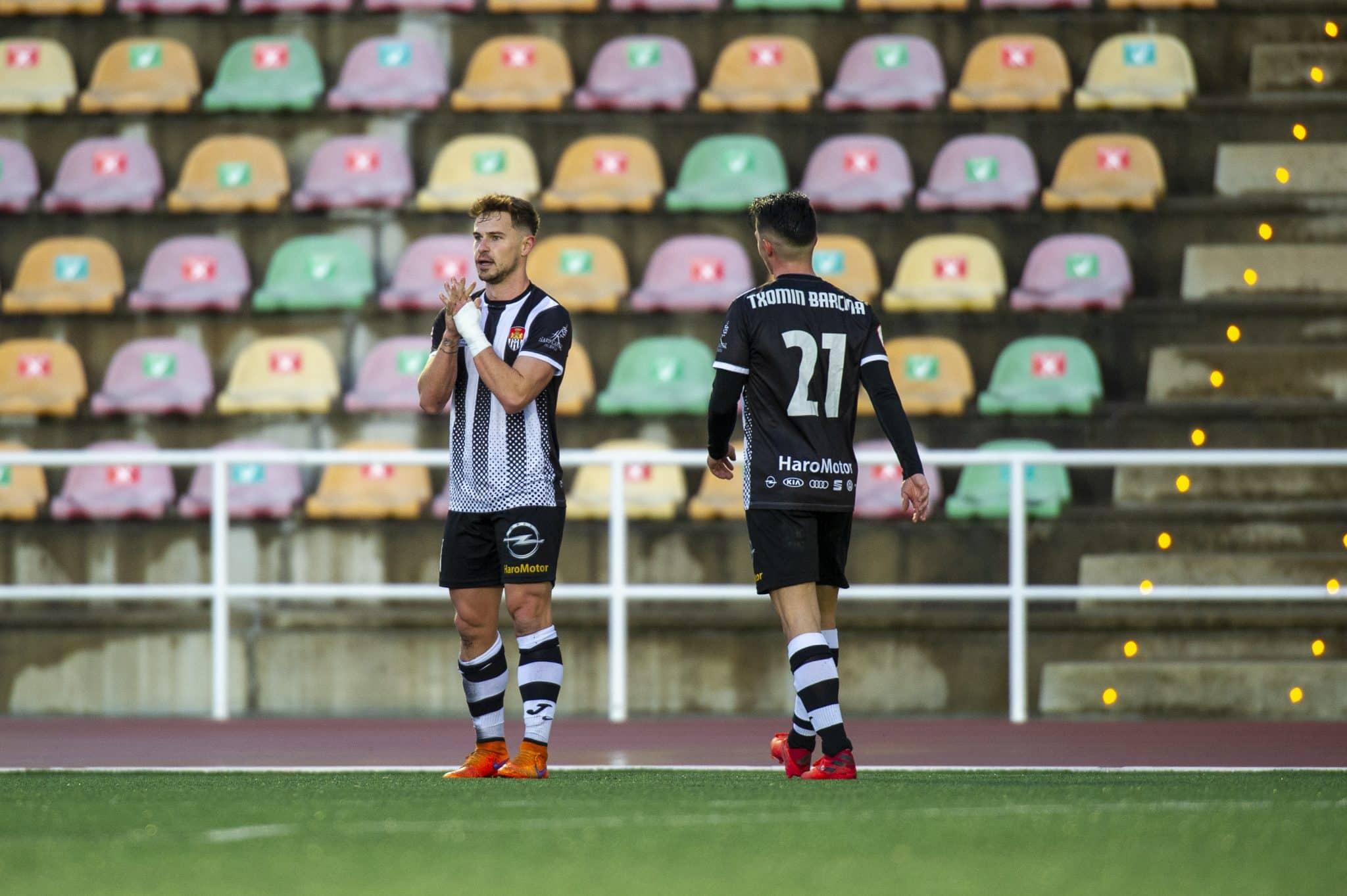 El Haro golea al Izarra en el primer triunfo de la temporada 1