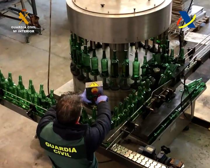 VÍDEO: Desmantelada en La Rioja una de las mayores destilerías ilegales de whisky 8