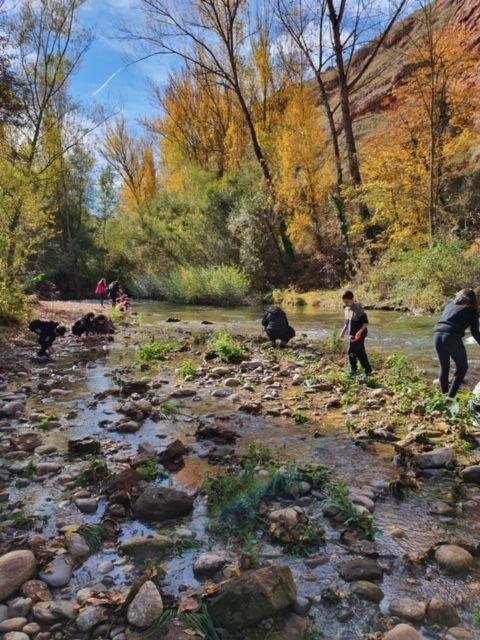 Alumnos del IES Rey Don García realizan recorridos de educación ambiental por el Najerilla e Iregua 2