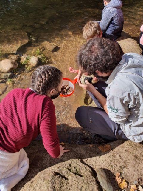 Alumnos del IES Rey Don García realizan recorridos de educación ambiental por el Najerilla e Iregua 1