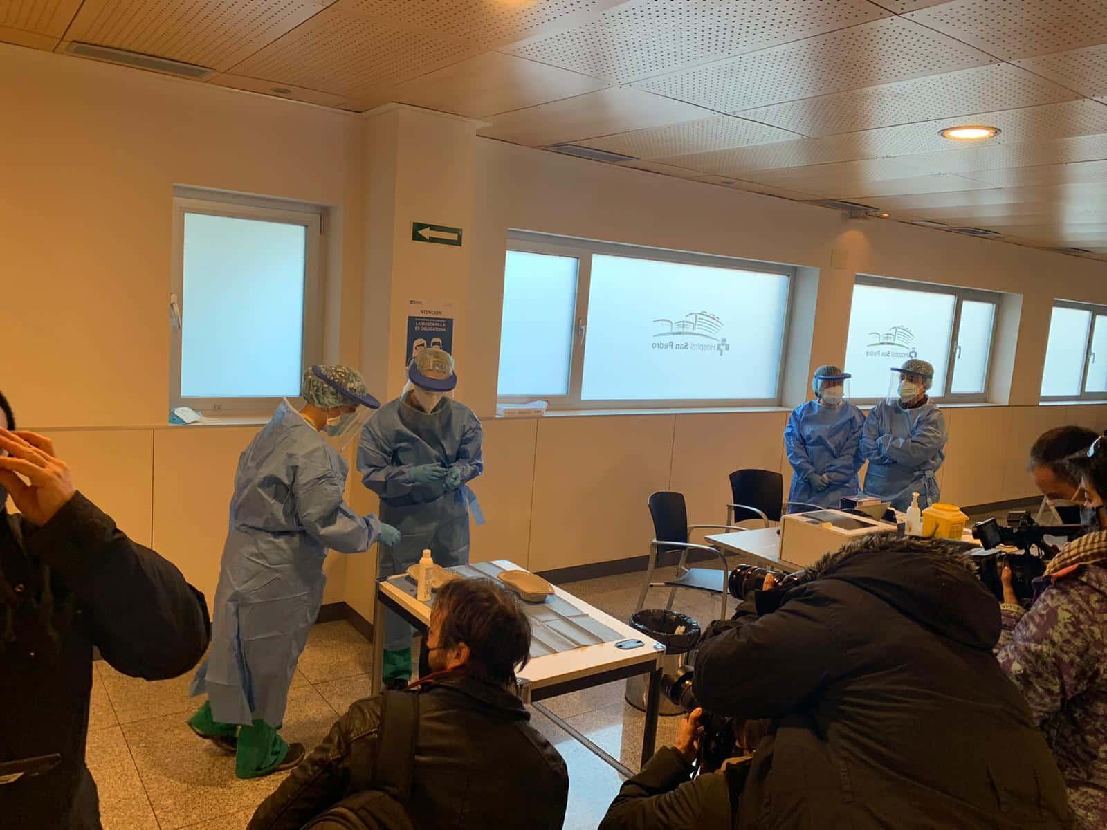 La Rioja comienza la vacunación frente a la COVID de los profesionales sanitarios de primera línea 7