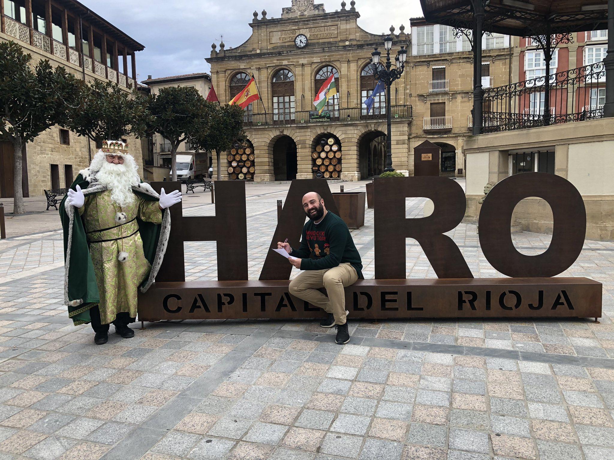 El Rey Melchor prepara en Haro las galletas de Navidad de Pastelería Yturbe 1