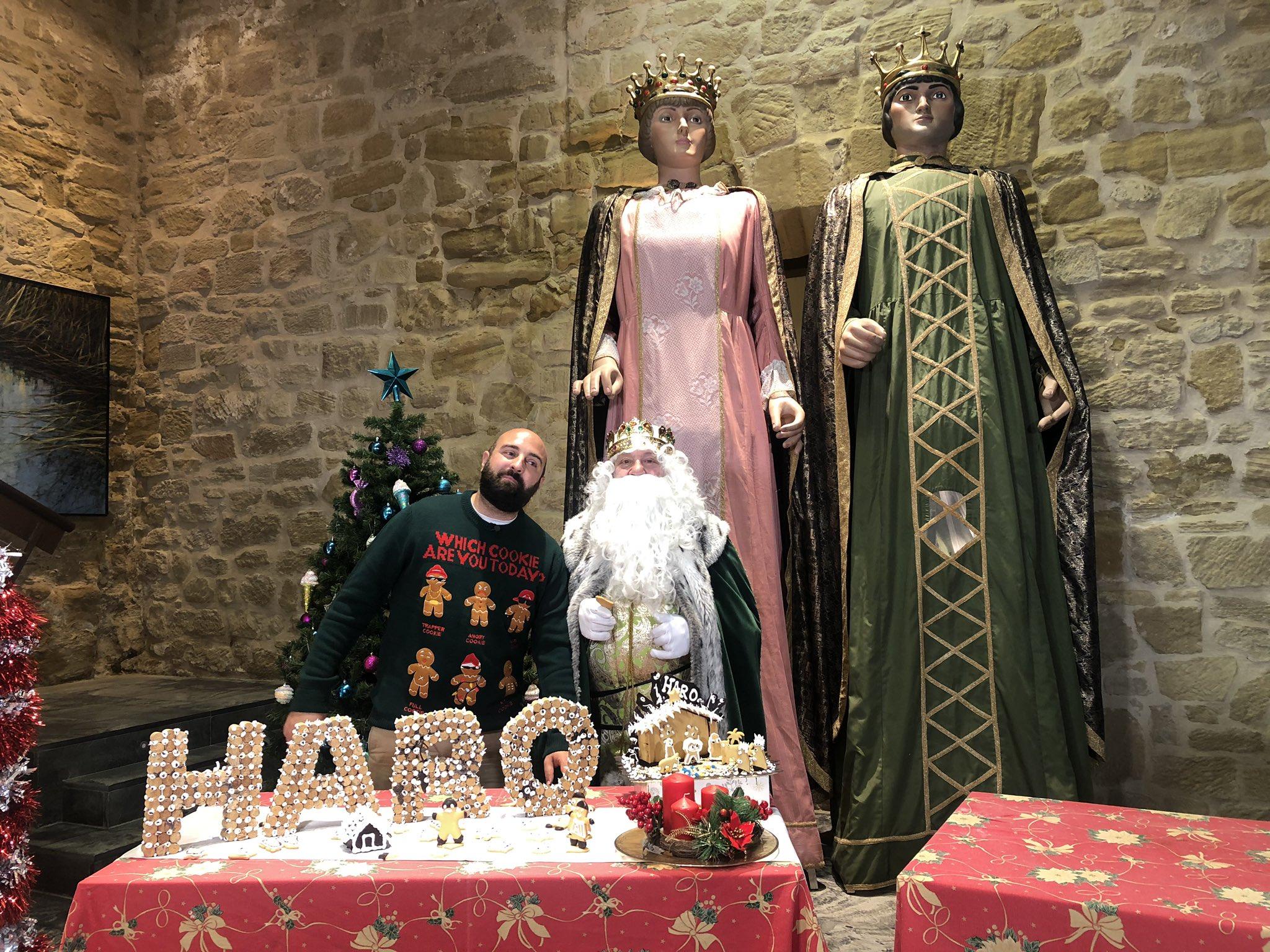 El Rey Melchor prepara en Haro las galletas de Navidad de Pastelería Yturbe 2