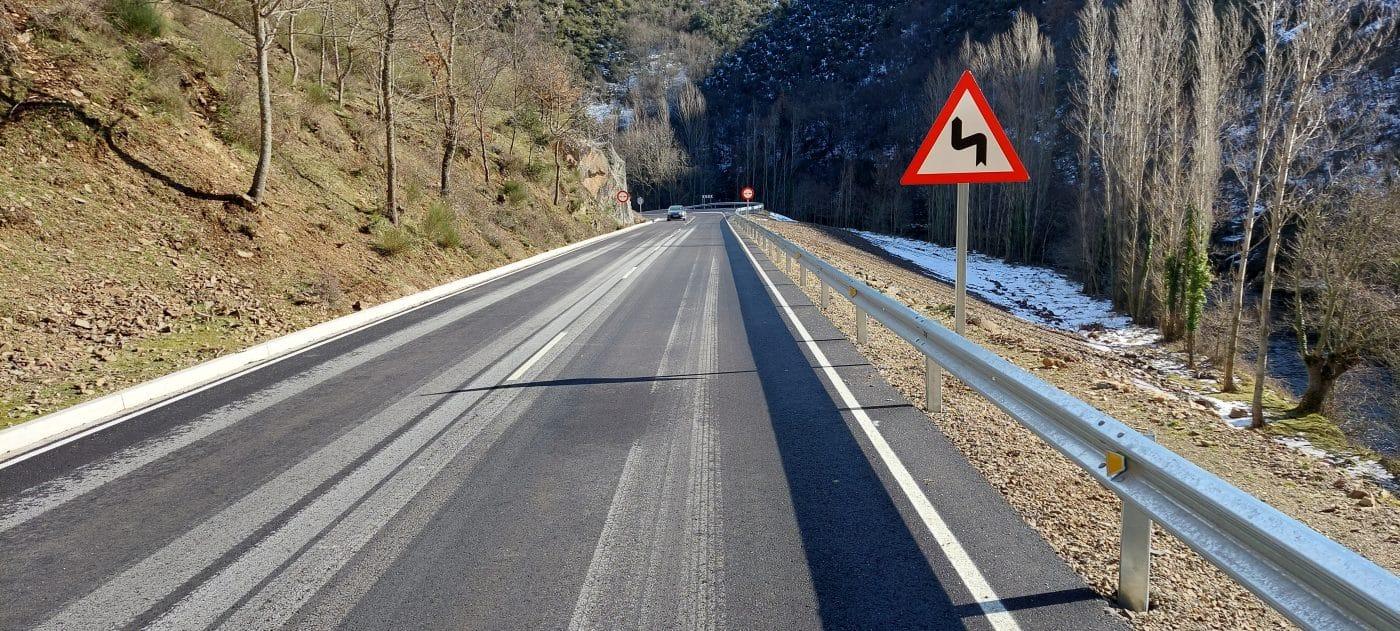 Finalizadas las obras de mejora de la LR-113 entre la Venta de Goyo y la presa de Mansilla 2
