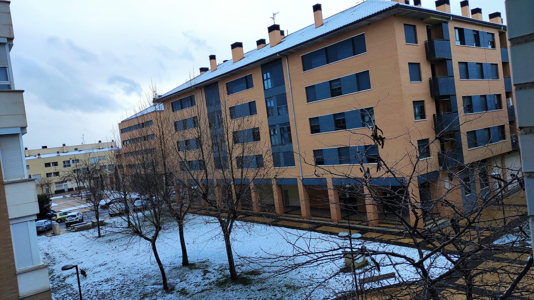 Primera nevada del año en La Rioja: cadenas en la AP-68 y seis puertos cerrados 5