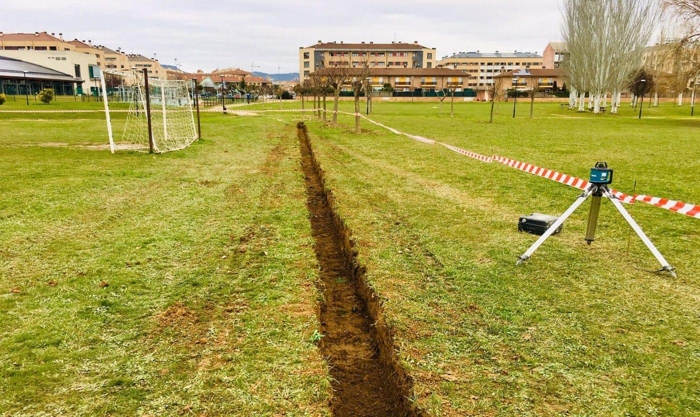 Haro pone en marcha las obras de mejora del campo de fútbol anexo a El Mazo 1