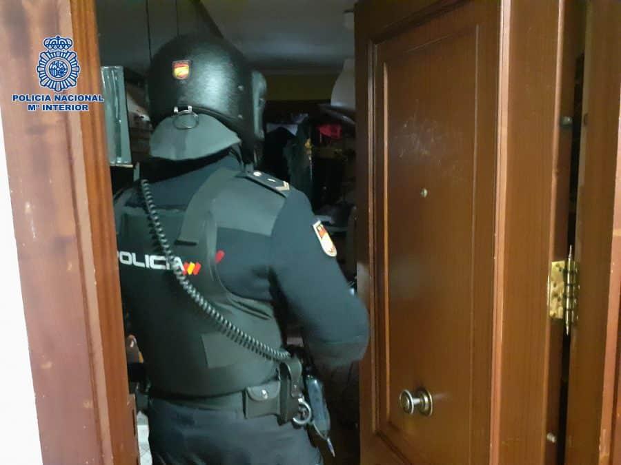 La Policía detiene a la autora de siete robos a punta de navaja en establecimientos de Logroño 2