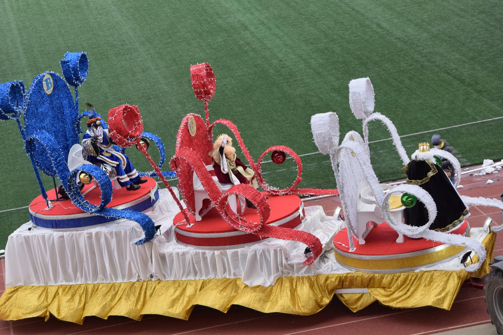 FOTOS: La magia de los Reyes Magos llega a Haro 34