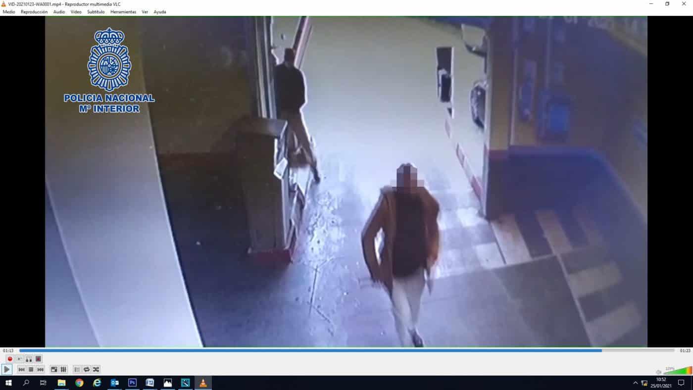 Prisión para un hombre por atracar un supermercado en Logroño a punta de cuchillo y darse a la fuga 1