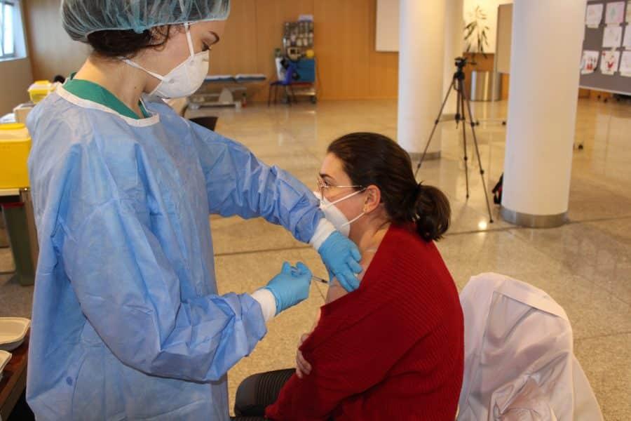 El Hogar Madre de Dios de Haro recibe la segunda dosis de la vacuna contra la COVID-19 3