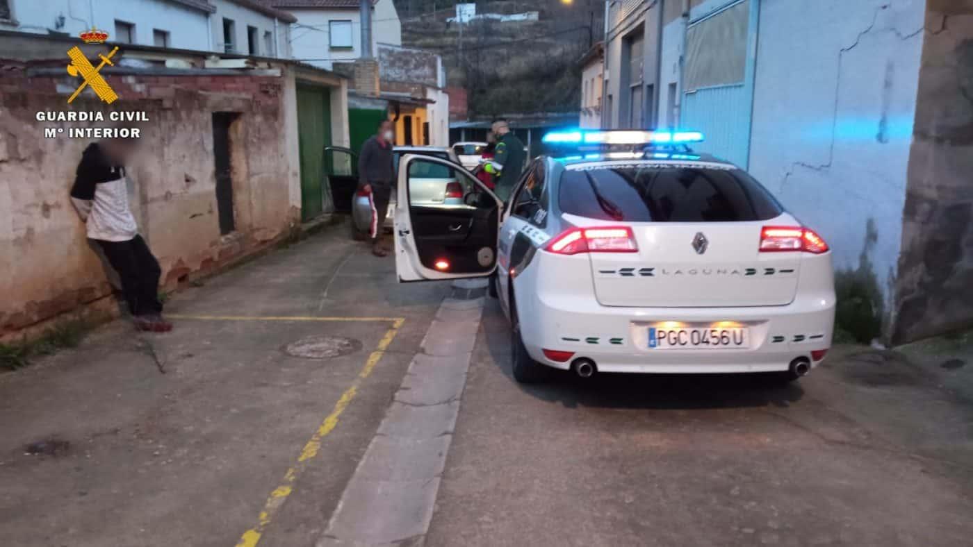 Detienen a un conductor drogado, sin carnet y sin seguro en Albelda de Iregua 1