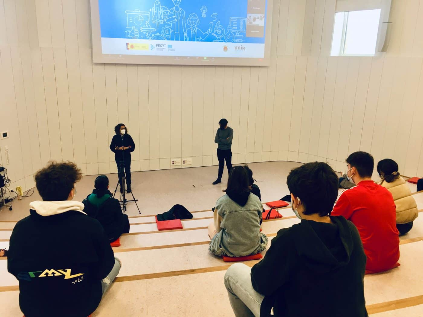 Haro estrena el María Díaz con un encuentro con estudiantes por el Día de la Mujer y de la Niña en la Ciencia 1