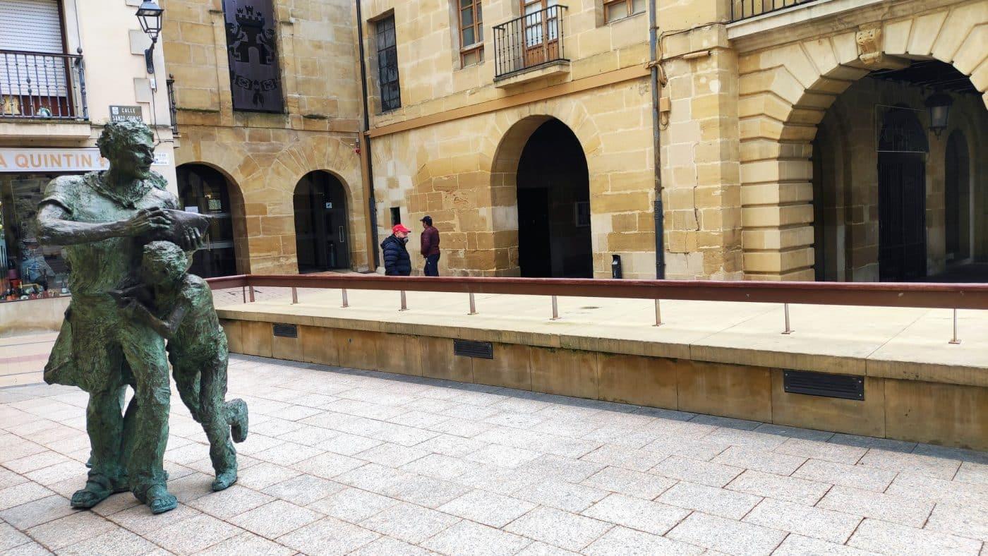 Escultura Batalla del Vino de Haro