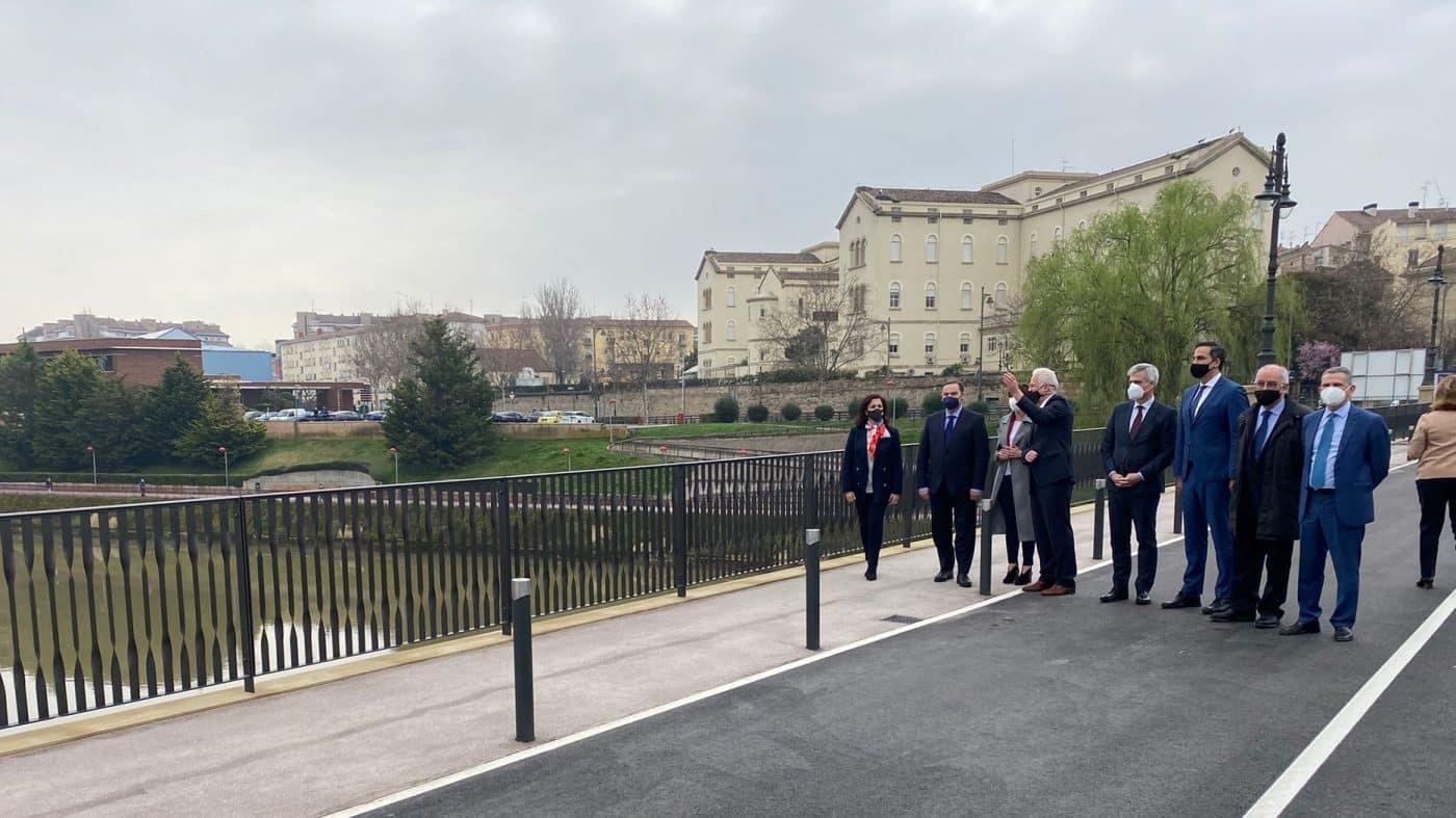 Ábalos inaugura la restauración del Puente de Piedra de Logroño sobre el río Ebro 3