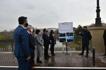 Ábalos inaugura la restauración del Puente de Piedra de Logroño sobre el río Ebro 1