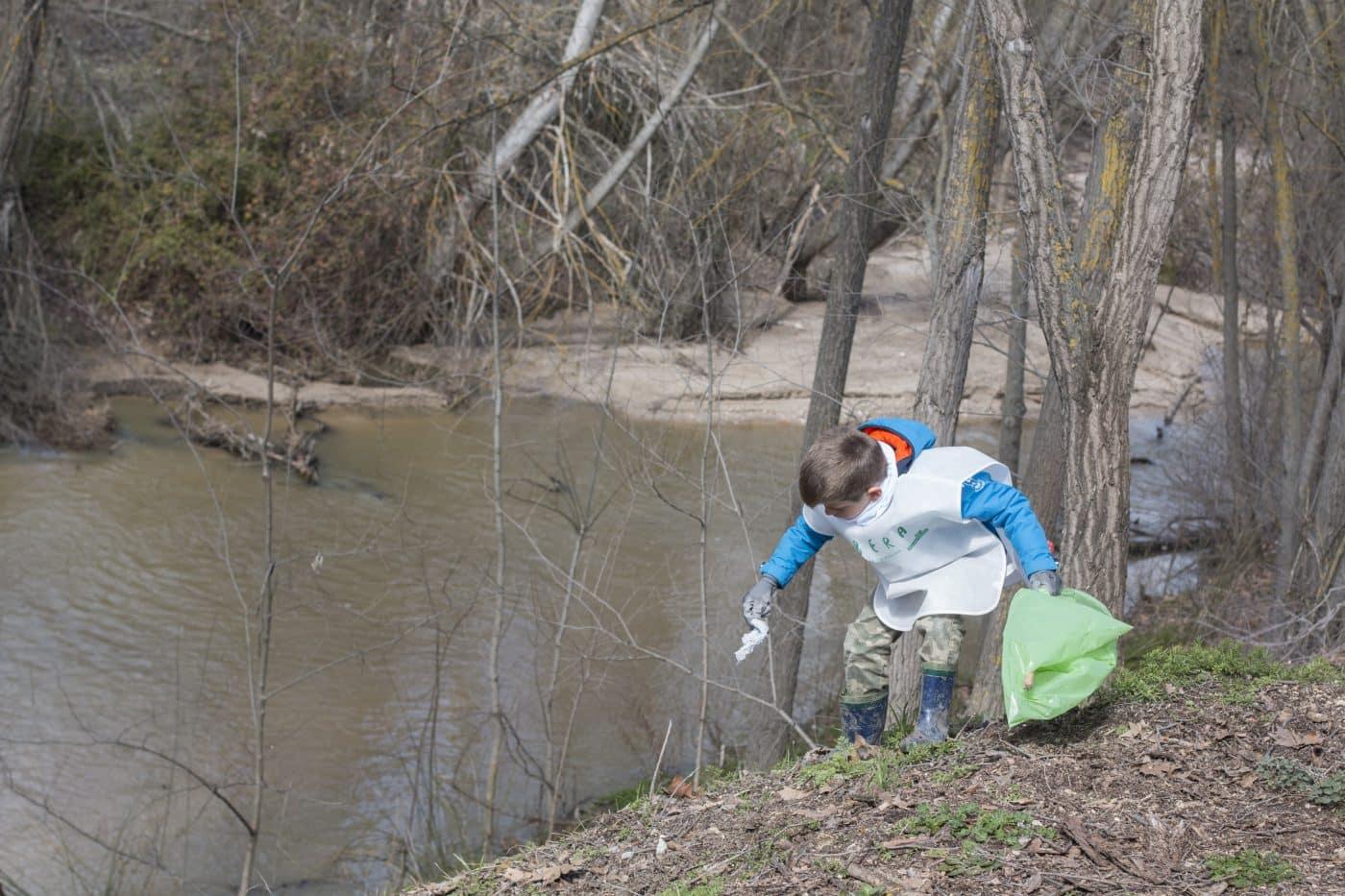 Haro recogerá datos sobre la basuraleza en el río Tirón 1