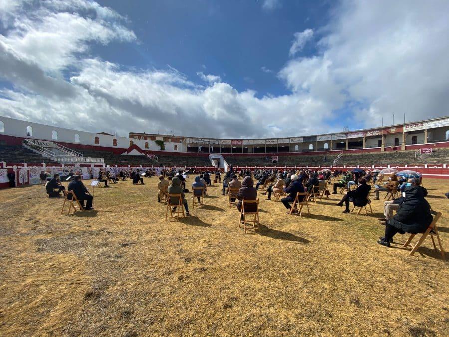 La Banda de Música de Haro toca en la plaza de toros por la Semana de la Mujer 7