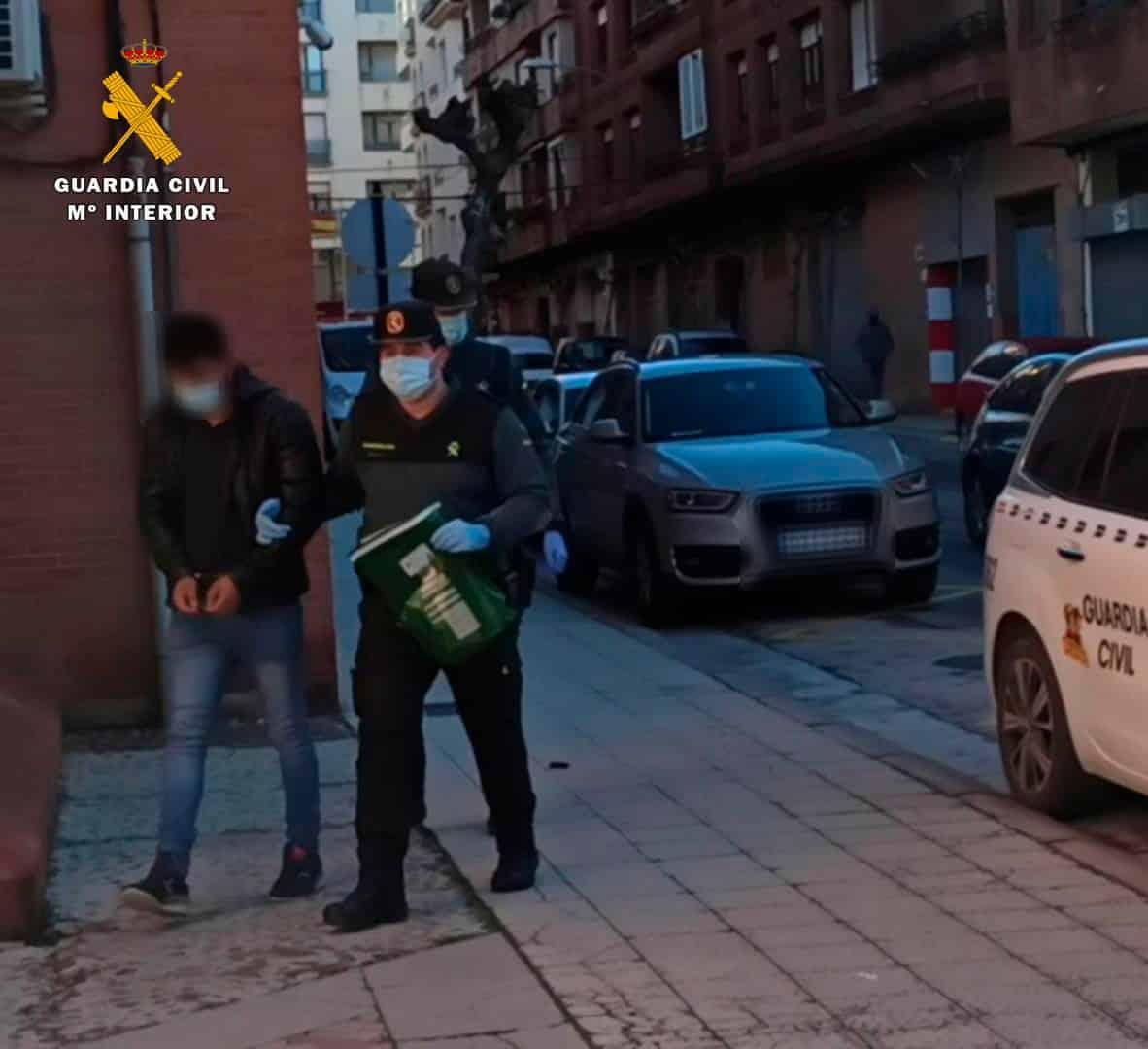 Detienen en La Rioja a dos violentos atracadores en busca y captura 1