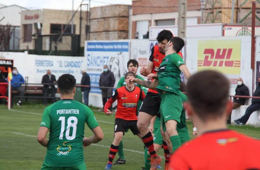 La Calzada cae con el Berceo y el Náxara no pasa del empate ante el Yagüe 2