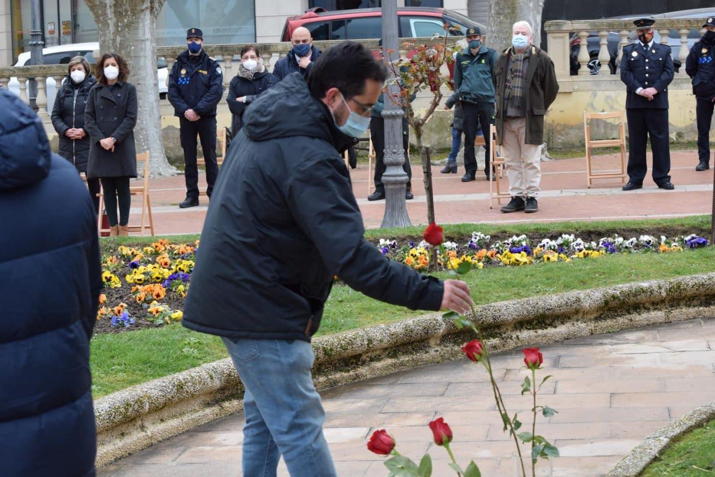 Haro vuelve a recordar a las víctimas y héroes de la pandemia un año después 17