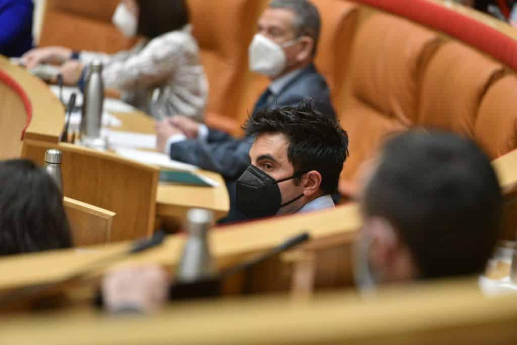 El proyecto de Geoparque recibe el apoyo del Senado y del Parlamento riojano para impulsar las huellas de dinosaurio 3