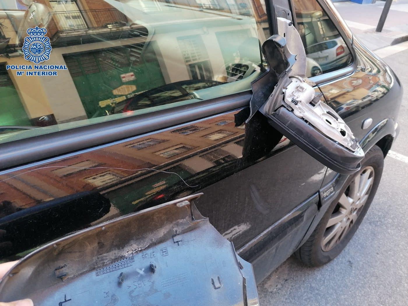 Destrozos a coches