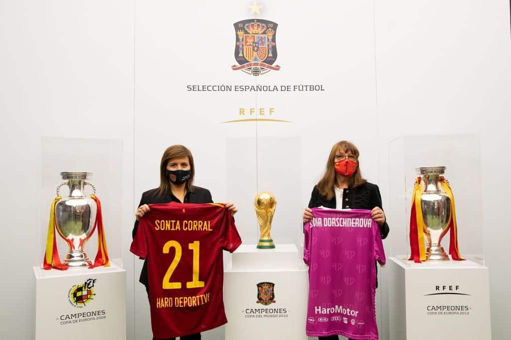 El Haro Deportivo y la Selección Española de Fútbol se 'hermanan' por el Día de la Mujer 3
