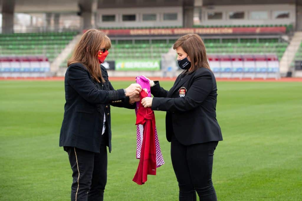 El Haro Deportivo y la Selección Española de Fútbol se 'hermanan' por el Día de la Mujer 1