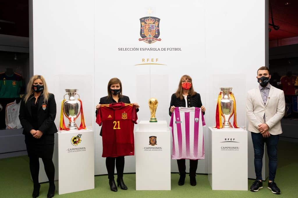 El Haro Deportivo y la Selección Española de Fútbol se 'hermanan' por el Día de la Mujer 4