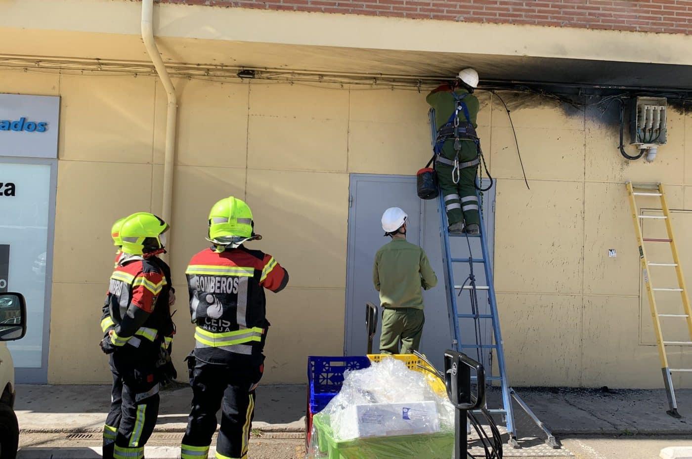 Extinguido un incendio en el cuadro de luz de un edificio en Casalarreina 1
