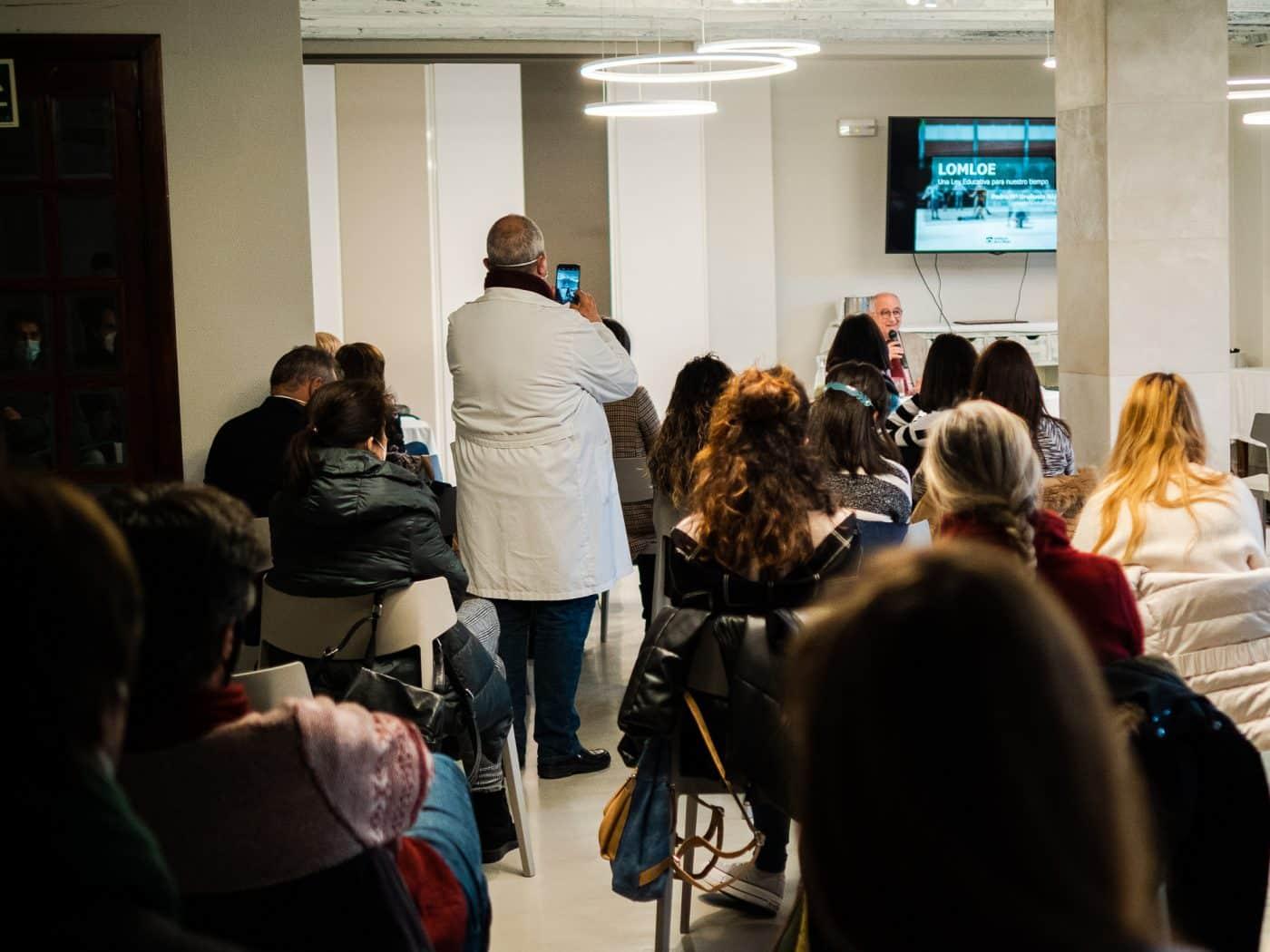 """Uruñuela dice en Santo Domingo que la nueva ley educativa para La Rioja """"elevará el papel del docente"""" 4"""