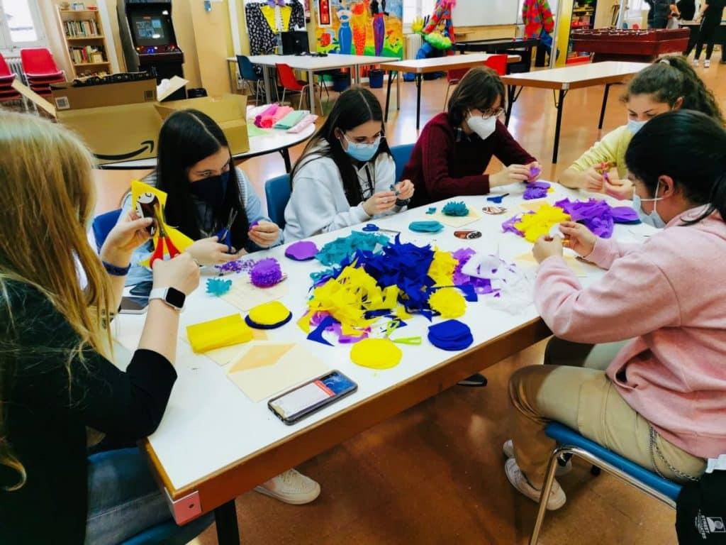 El Centro Juvenil de Haro desarrolla un taller con motivo del Día de la Madre 1