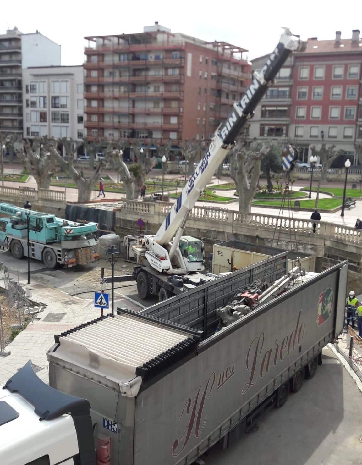 Aparatoso accidente en las obras del nuevo Mercadona en Haro 4