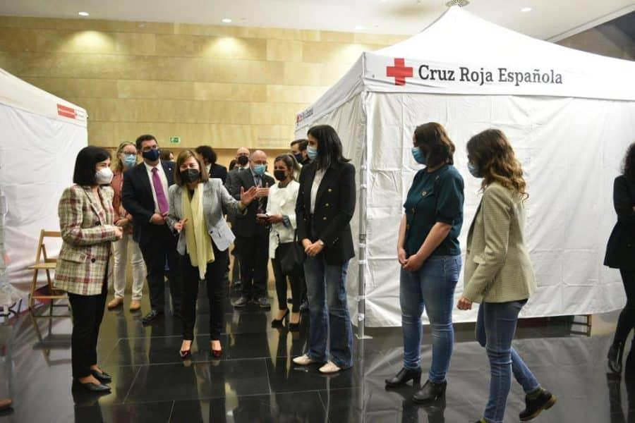 Darias anuncia en La Rioja la llegada de 1,7 millones de vacunas de Pfizer cada semana 13
