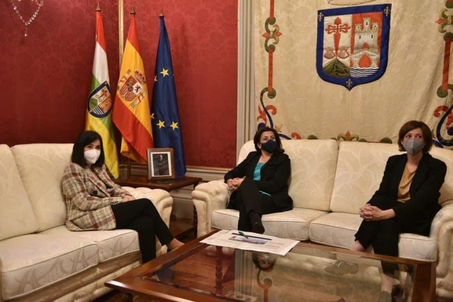 Darias anuncia en La Rioja la llegada de 1,7 millones de vacunas de Pfizer cada semana 10