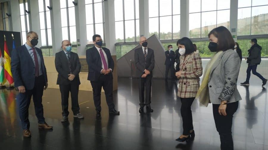 Darias anuncia en La Rioja la llegada de 1,7 millones de vacunas de Pfizer cada semana 7