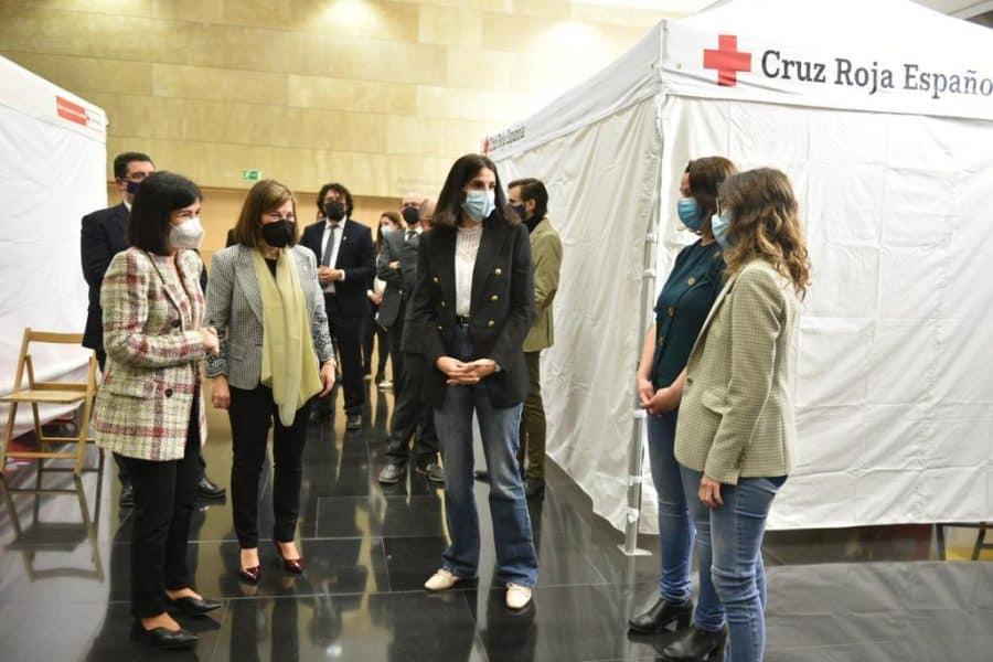 Darias anuncia en La Rioja la llegada de 1,7 millones de vacunas de Pfizer cada semana 16