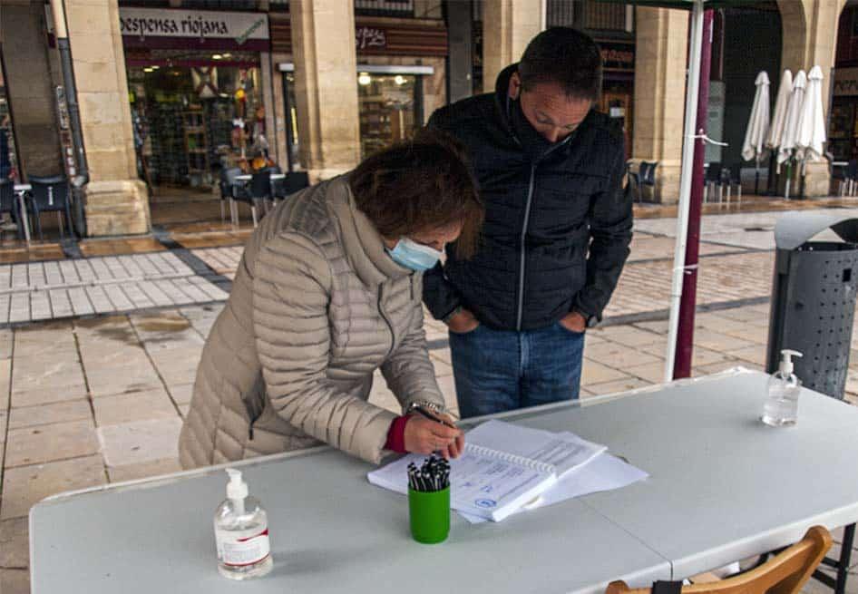 """""""Gran éxito"""" en la recogida de firmas para la ILP de la Ley de Caza de La Rioja 1"""