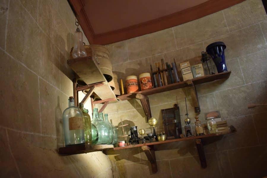 La antigua botica de Briones se muda a la ermita 5
